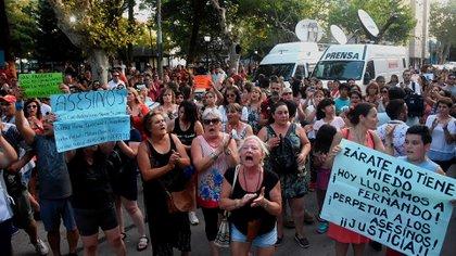 La marcha en Zárate, de donde son oriundos los rugbiers, pidiendo justicia por Fernando Báez Sosa. (Nicolás Stulberg)