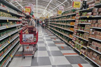 Algunas marcas de alimentos procesados ya muestran el nuevo etiquetado frontal (Foto: Moisés Pablo/Cuartoscuro.com)