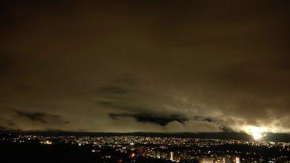 Apagón en Caracas (@vamosamuel)