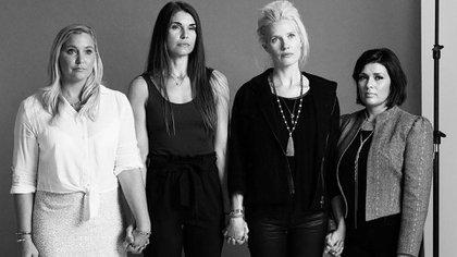 """Marijke (la tercera) junto a algunas de sus """"hermanas sobrevivientes"""""""