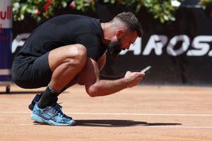 La última locura de Benoit Paire: usó su celular en el Masters de Roma para exponer un supuesto error del umpire