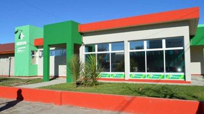 La médica atiende en el Hospital Municipal de Villalonga (Gentileza Patagones a Diario)
