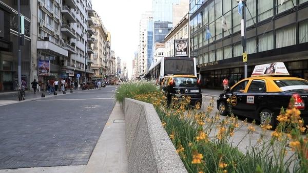 Resultado de imagen para Gran celebración en la nueva calle Corrientes: shows y actividades para toda la familia en la reinauguración del tramo peatonal