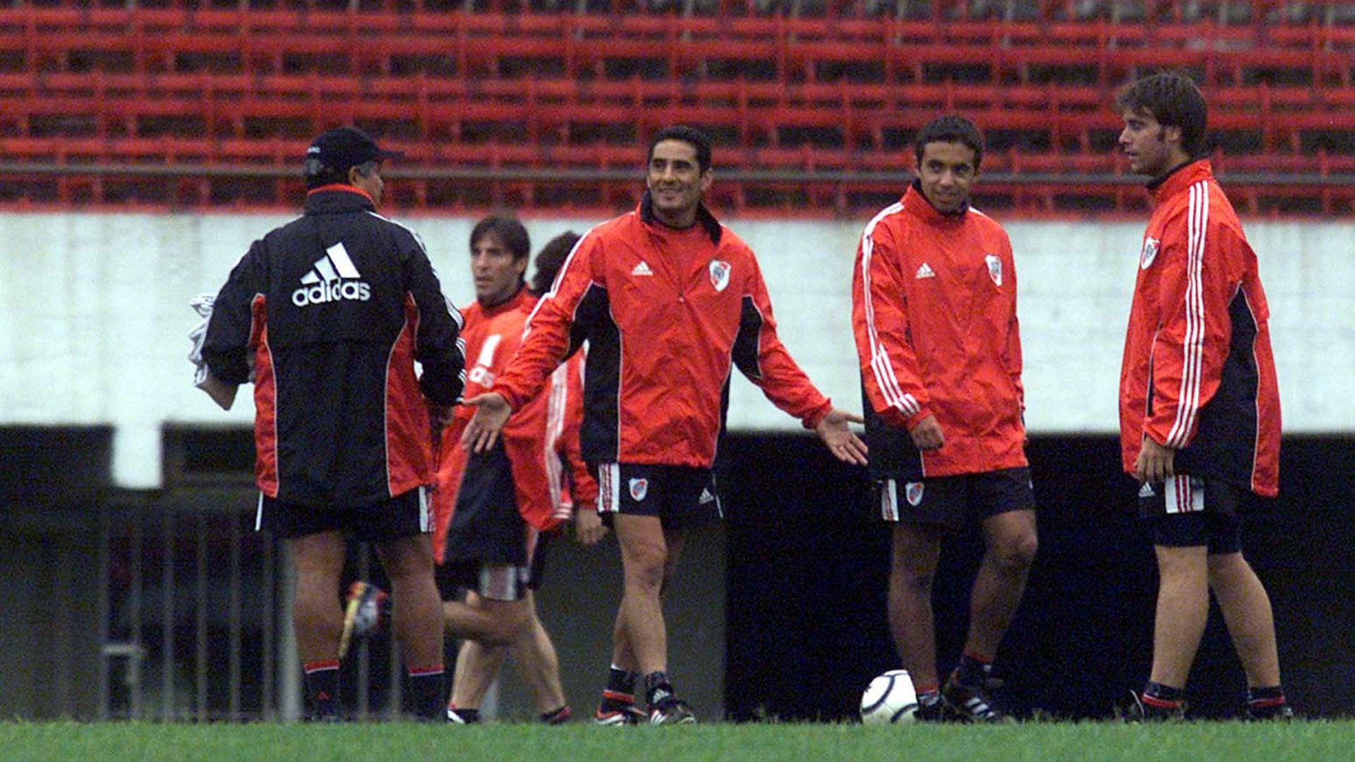 El Hormiga, junto al Tolo Gallego, en su etapa como jugador de River (FotoBaires)