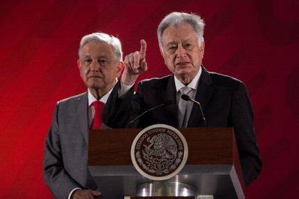 Manuel Barlett, director de la Comisión Federal de Electricidad, gana más que el presidente Andrés Manuel López Obrador (FOTO: GALO CAÑAS /CUARTOSCURO)