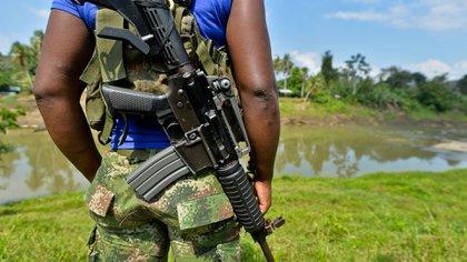 Un guerrillero del ELN. Esta guerrilla tiene una fuerte presencia en Venezuela (AFP)