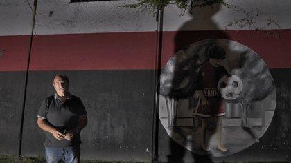 """""""Quique"""" fue la sombra de Messi en sus inicios con la pelota (Patricio Murphy)"""