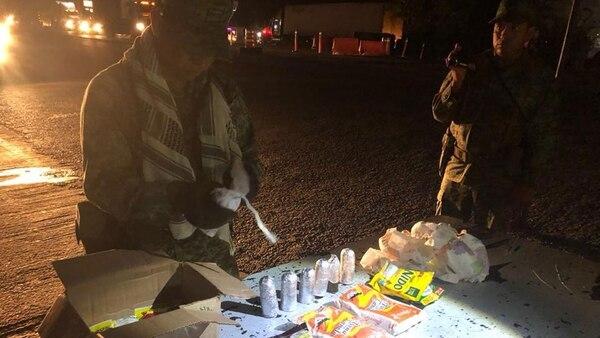 Las granadas iban escondidas en una caja con alimentos.