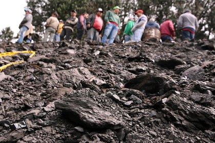De acuerdo con cifras de la Agencia Nacional de Minería en lo que va de este año se han reportado 119 accidentes mineros que han involucrado a 218 personas, de las cuales 137 fallecieron y 48 más resultaron heridas. EFE/Mauricio Dueñas/Archivo