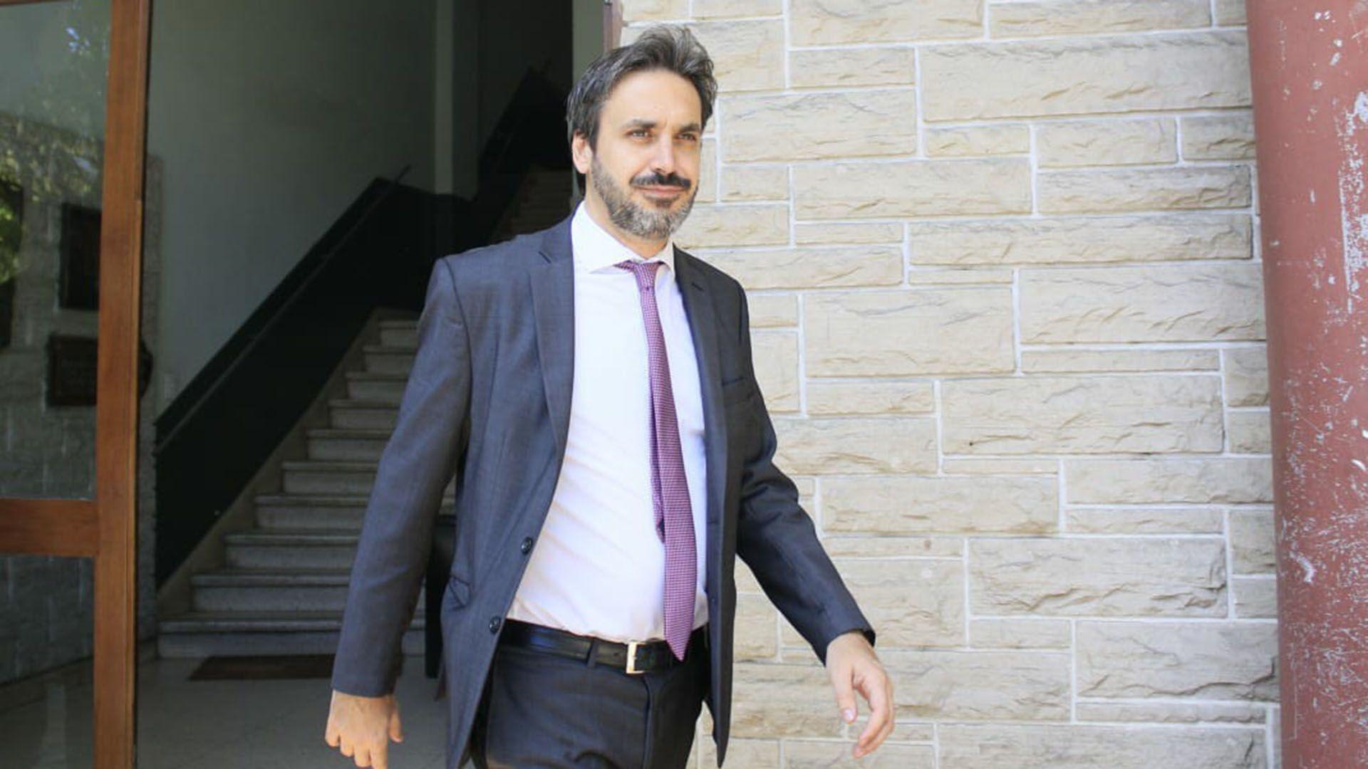 El juez federal de Dolores, Alejo Ramos Padilla (Tony Gomez)