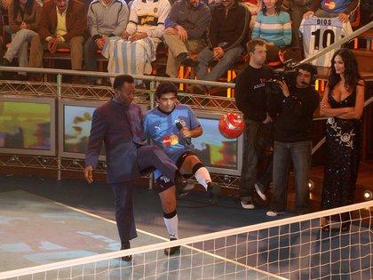 O Rei Pelé lagrimeó en la entrevista que le hizo Maradona en La Noche del 10 (FotoBaires)