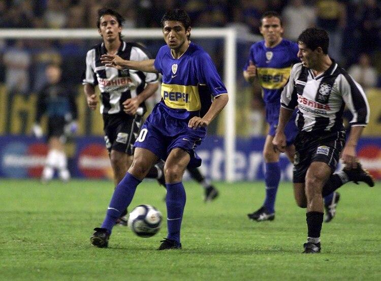 Por la Copa Libertadores 2002, Boca igualó 0-0 en el debut ante Montevideo Wanderers en la Bombonera. Sería eliminado en cuartos de final por el futuro campeón Olimpia