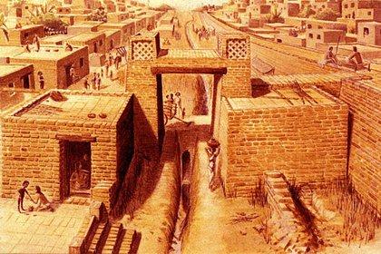 Algunos restos poseen reminiscencias a la cultura Harappa, que se desarrolló desde 3300 a. C. hasta c. 1300 a. C. a lo largo del valle del Indo, en Afganistán, Pakistán