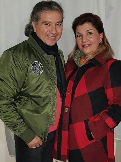 Cartlitos junto a Alejandra, su esposa desde hacía 15 años (Foto: Facebook)