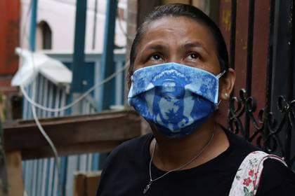 Liliane Tavares de Moura, de 44 años, miembro de una iglesia en Manaos, uno de los epicentros del brote en Brasil (REUTERS/Bruno Kelly)