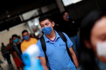 Los decesos siguen en aumento en la República Mexicana  (Foto: Reuters / Carlos Jasso)