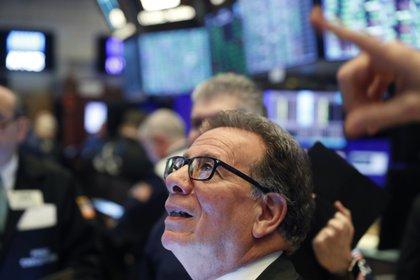 Los operadores del mercado se resignan a las pérdidas más amplias desde la crisis de 2008. (Reuters)
