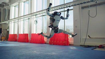 Atlas saltando durante el baile coreográfico de fin de año (Boston Dynamics via REUTERS)