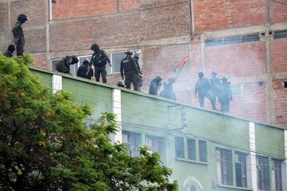 En Cochabamba, y en otras ciudades bolivianas, hubo motines por parte de la Policía. (REUTERS/Danilo Balderrama)