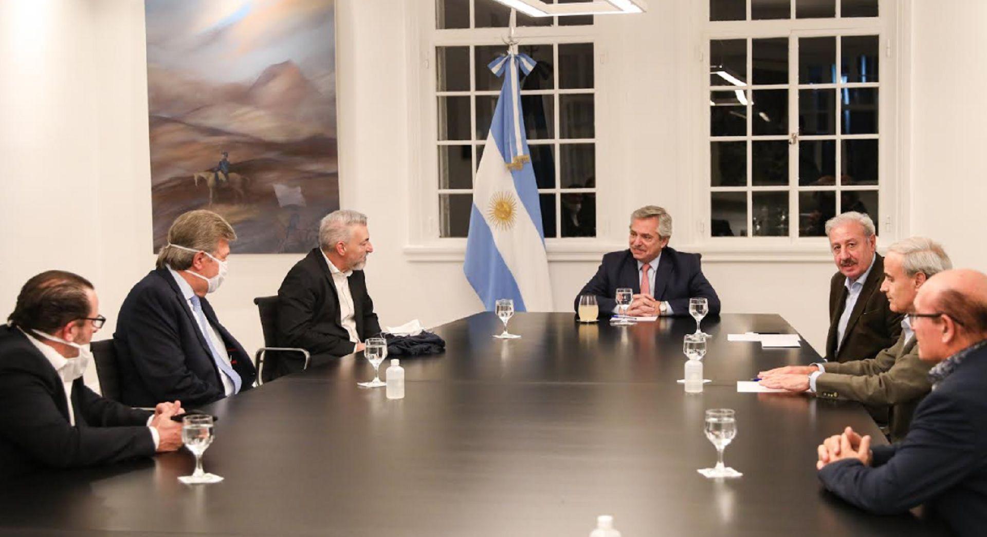 Alberto Fernández dialoga con los representantes de las iglesias evangélicas en la quinta de Olivos