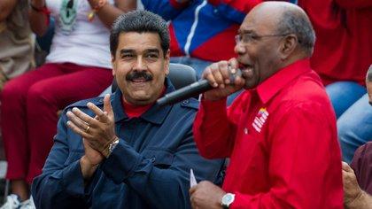 Aristóbulo Istúriz, como Nicolás Maduro, es un seguidor de la doctrina de Sai Baba.