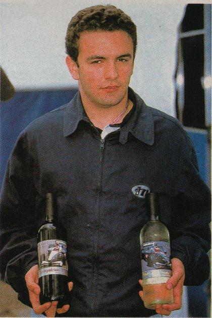 Con unos vinos que ilustran a su Minardi (Archivo CORSA).
