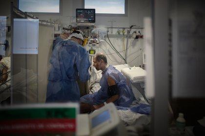 El gobierno porteño salió en ayuda del sistema de salud privado por si aumentan las internaciones por COVID-19
