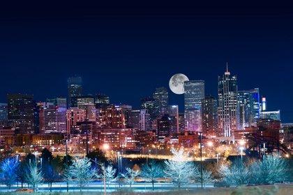 Denver es la ciudad más sexy de Estados Unidos, según el sitio web Quality Health, que produjo una encuesta hace unos años que clasificó numerosas ciudades estadounidenses en función de las tasas de natalidad, ventas de anticonceptivos, ventas de tiendas eróticas y las ventas de libros sobre sexo de Amazon