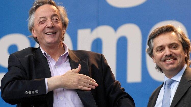El ex presidente Nestor Kirchner junto a su jefe de gabinete, Alberto Fernandez. (Foto NA:Damian Dopacio)