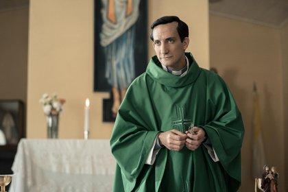 Juan Minujín como Jorge Bergoglio (Netflix)
