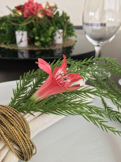 La suma de detalles simples es lo que conforma una mesa con aires festivos (Patricia Castro Flores)
