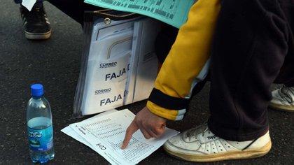 Las distribución de urnas y planillas arrancó este sábado a las 8 horas
