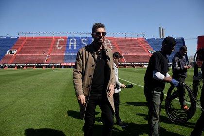 Tinelli, en el estadio del Bajo Flores. En la intimidad, prometió darle un fuerte impulso al proyecto en Avenida La Plata (Foto: Nicolás Stulberg)