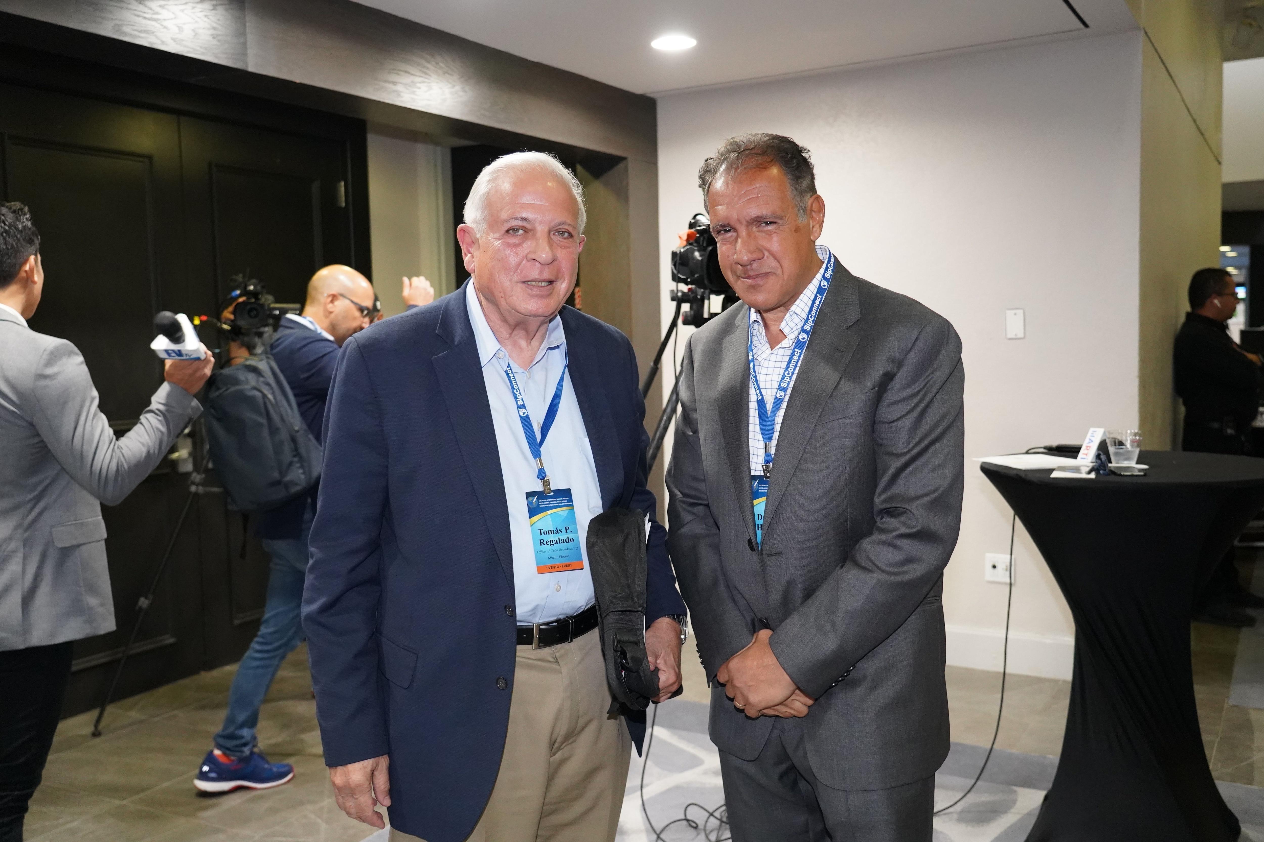 Tomás Regalado, ex alcalde de Miami y actual director de Radio Televisión Martí (OCB) saludó a Daniel Hadad en SIP Connect.