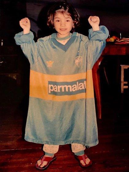Malena Sánchez con la camiseta de Boca Juniors cuando era una niña (Foto: Instagram)