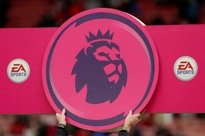 La Premier League ha comunicado que no volverá, como mínimo, hasta el 30 de abril (REUTERS)