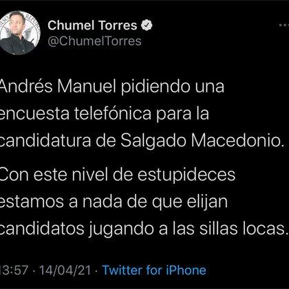 El comediante señaló que realizar una encuesta telefónica está al nivel de elegir a los candidatos jugando a las sillas locas (Foto: Twitter / @ChumelTorres)