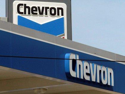 "In April, the US government ordered Chevron ""gradually cease"" its oil activities in Venezuela (EFE / Brendan Mcdermid)"