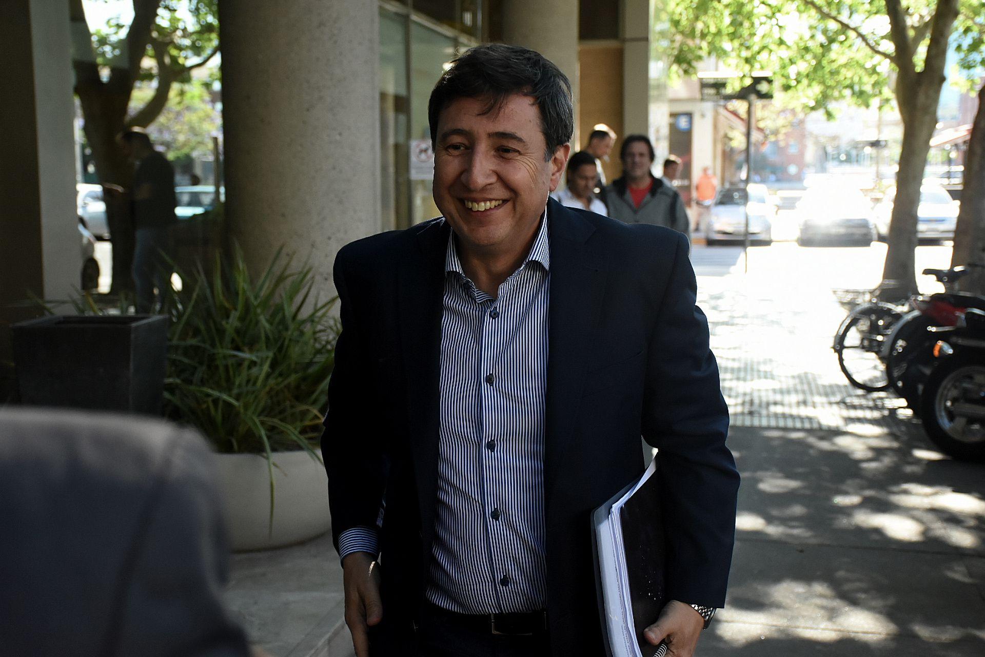 El ministro Daniel Arroyo dijo que seguirán adelante pese a las críticas (foto Nicolás Stulberg)