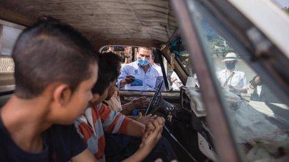 En Michoacán se tomó como medida el uso de cubrebocas y se opto por el aislamiento obligatorio (Foto Twitter@Silvano_A)