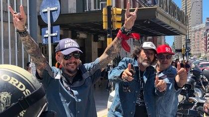 Los fanáticos de las Harley frente a las puertas del Gran Hotel Provincial