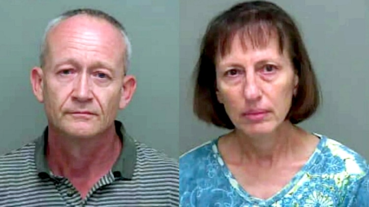 Mirko Ceska (izquierda) y Regina Ceska (derecha) se preparaban para el día del juicio final, pero dos mujeres bajo su custodia legal escaparon de su granja de Florida y les denunciaron por abuso, violencia doméstica y agresión sexual (Foto: Oficina del Sheriff del Condado de Wakulla)