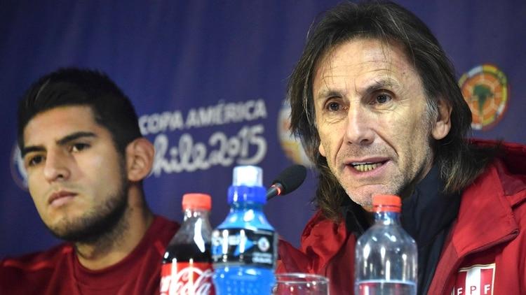 Ricardo Gareca, clave en el arribo de Carlos Zambrano a Boca (AFP PHOTO / RODRIGO ARANGUA)