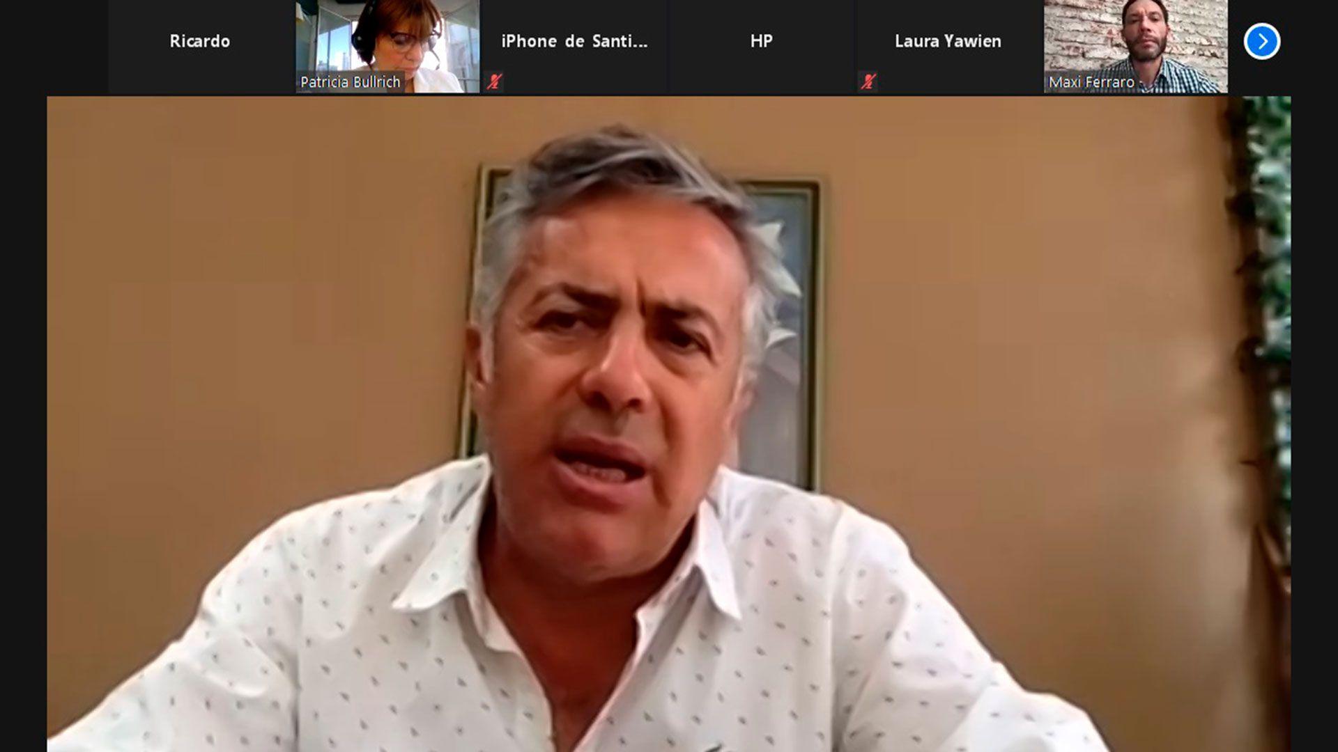 Alfredo Cornejo critica al Gobierno por las vacunas contra el covid-19