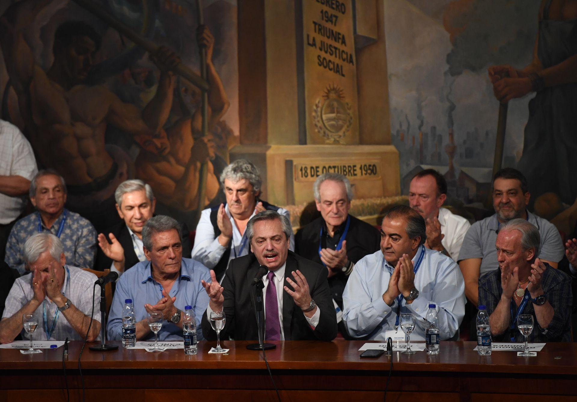 """Alberto Fernández dijo que los sindicalistas """"entienden la magnitud del problema"""" (Maximiliano Luna)"""