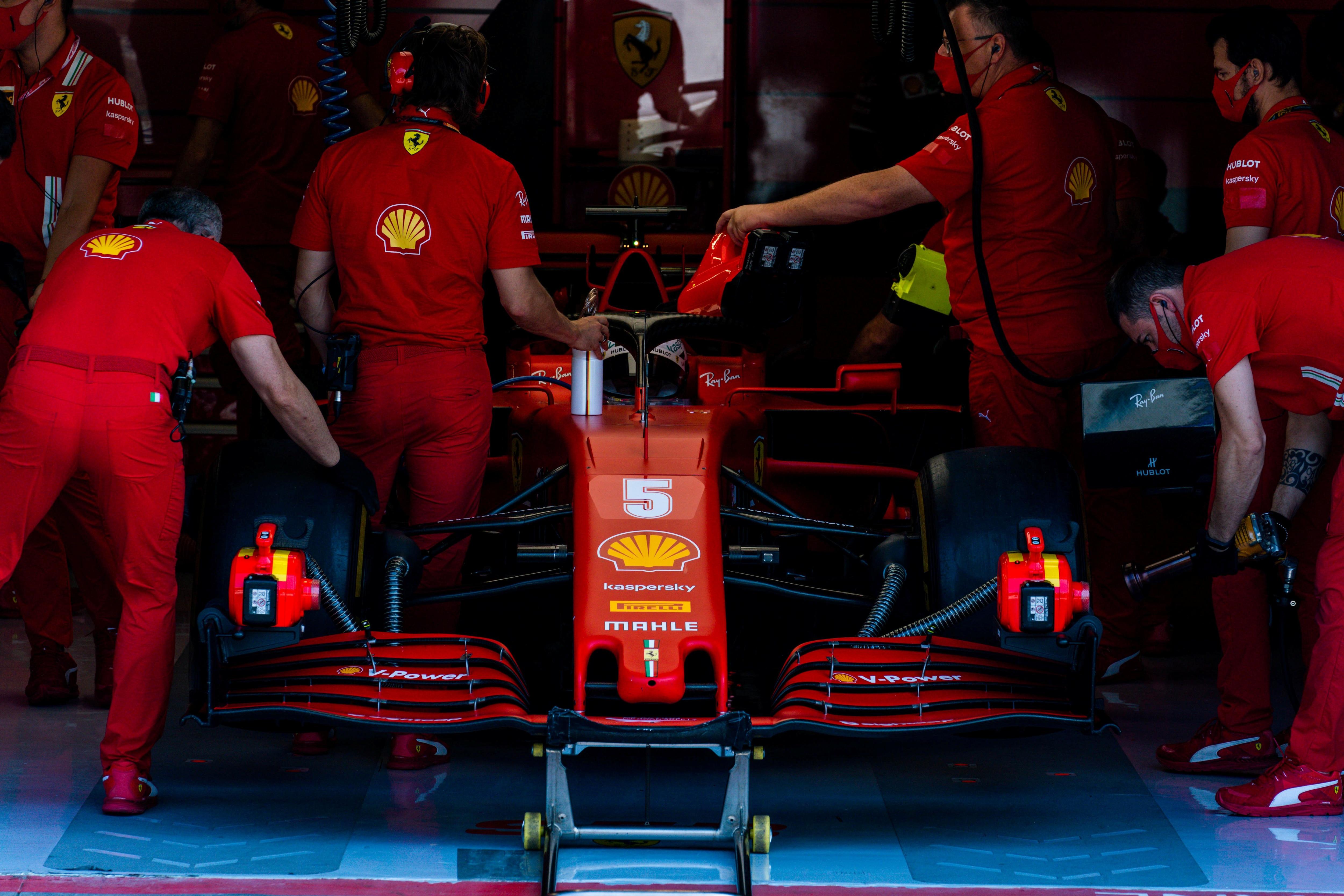 Vettel se retiró del GP de Italia por problemas en sus frenos