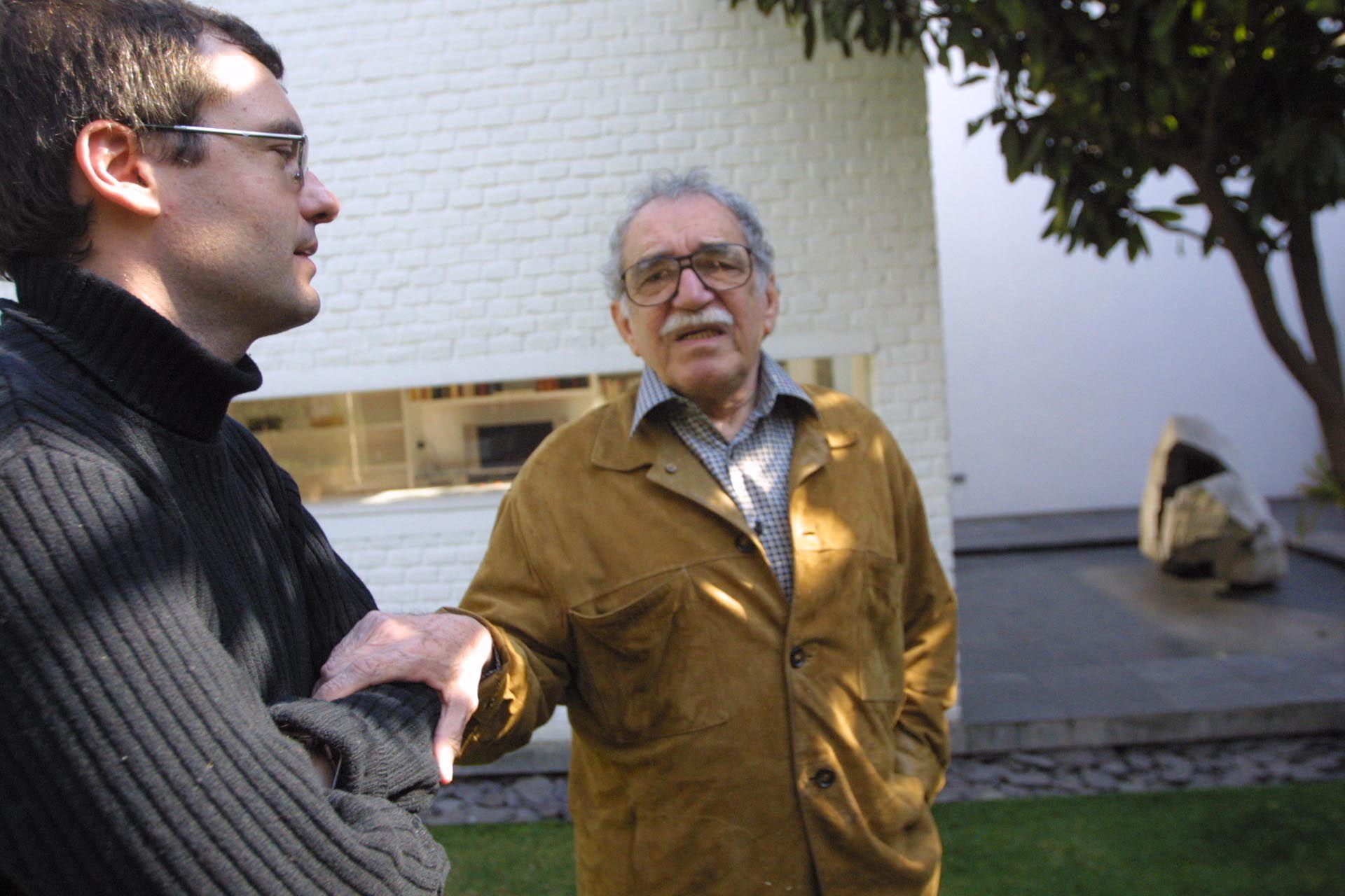 """El autor con """"Gabo"""" García Márquez"""