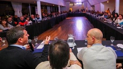 El lunes Sergio Massa reunió en San Fernando a los concejales del Frente Renovador (@SergioMassa)
