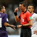 Soccer Football - Club World Cup - Semi-Final - River Plate v Al Ain FC - Hazza Bin Zayed Stadium, Al Ain City, United Arab Emirates - December 18, 2018 Referee Gianluca Rocchi speaks with River Plate's Leonardo Ponzio REUTERS/Andrew Boyers