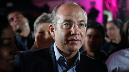 FILE PHOTO: Former Mexican president Felipe Calderon attends an event in Mexico City, Mexico February 19, 2018. REUTERS/Ginnette Riquelme/File Photo